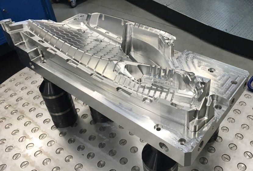 Sella di alluminio eseguita su modello matematico